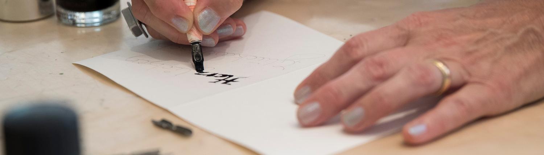 Kalligraphiekurs als Kreativer Kunskurs im VBV Hofheim